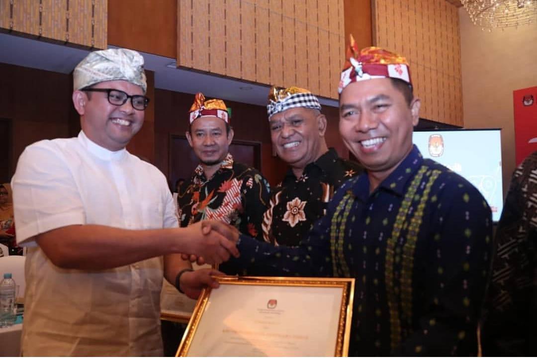 Penerimaan Penghargaan Kategori Pemilu Akses untuk KPU Provinsi NTT